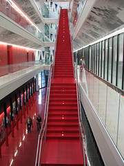 tschumi (fusion-of-horizons) Tags: ohio red architecture stairs canon campus de photography is photo university fotografie photos interior cincinnati alien powershot explore architect uc s3 tschumi scara arhitectura explored bernardtschumiarchitects arhitectur richardelindnervarsityvillage lindnerathleticcenter