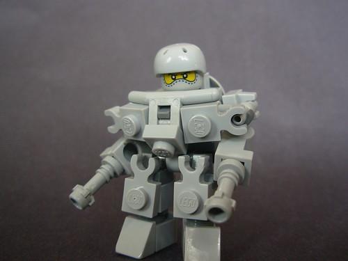 Iron Guardian VS Uber Suit 5104879334_9fc460500f