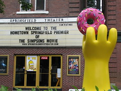 Better Donut picture (Emerald2098) Tags: movie simpsons premier bighand moviepremier yellowhand bigdonut simpsonsmovie worldpremier pinkdonut simpsonsworldpremier movieworldpremier