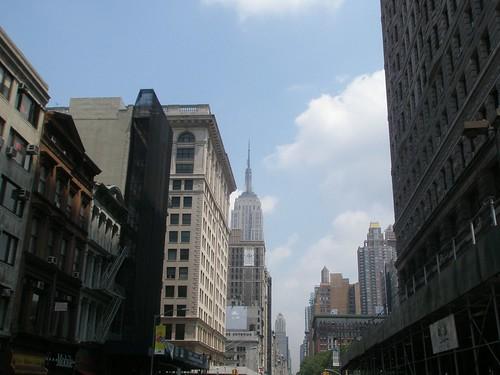 El Empire State desde la Quinta a la altura de la calle 22