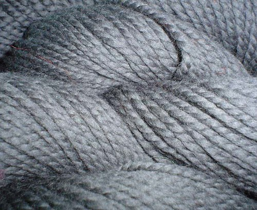 Cascade 128 charcoal grey yarn