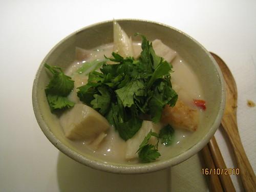 美味的椰汁雞肉濃湯
