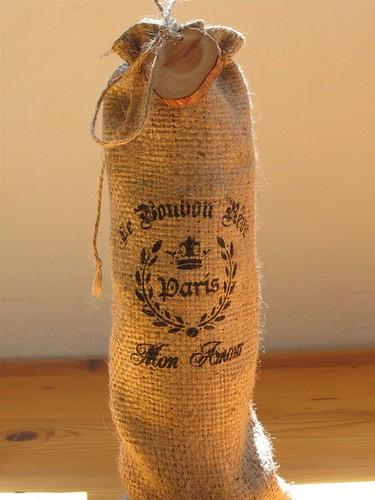 Wine-Bottle-Burlap-Bag-Driftwood-tag