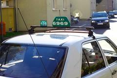 Franckvierteltaxi (austrianpsycho) Tags: auto car sign linz taxi schild 128 6969 franckviertel