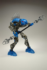 blue bionicle 2 (fijibaha) Tags: white studio toys robot lego box bionicle mechanic