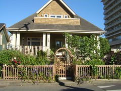 Craftsman Curb Appeal (Exterior Encounters) Tags: house home curbappeal frontyard landscaping windows flowers plants bushes shrubs trees architecture exterior victoria britishcolumbia canada craftsman fence arch