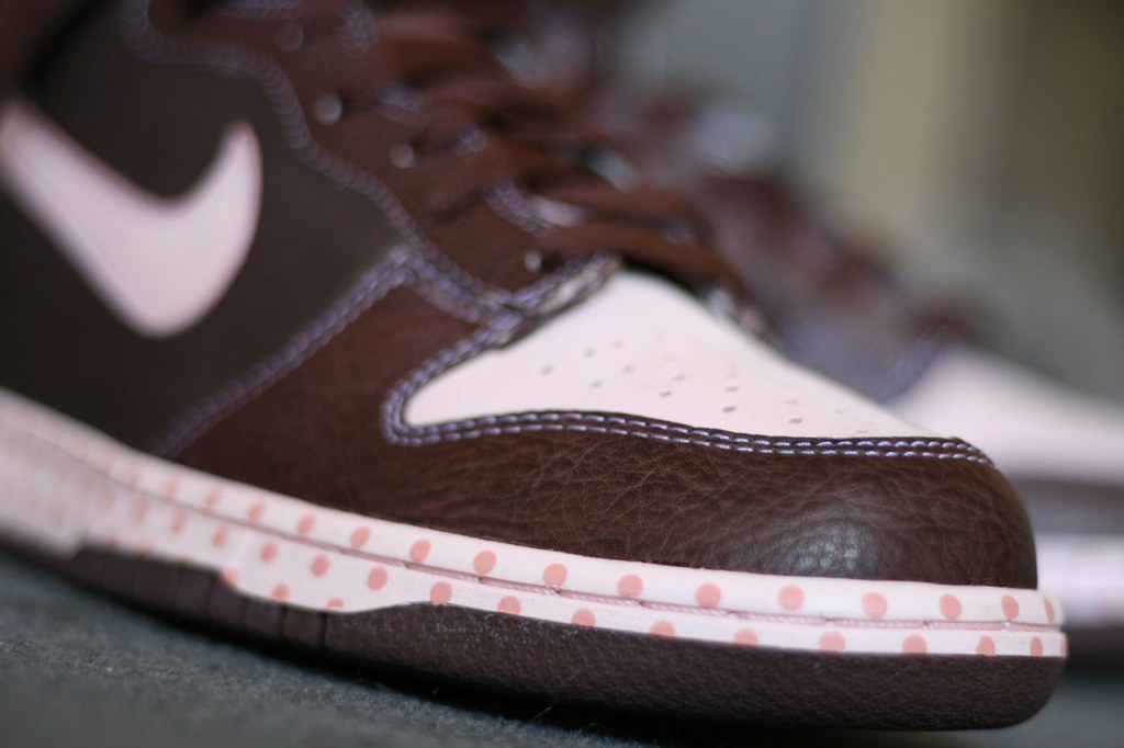 new product a5e01 d4dd3 Chocolate (bitterspeak) Tags bunny canon easter chocolate nike 28135mm  dunks xti 400d
