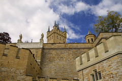 Castillo Burg Hohenzollern (Raul Garcia Piero) Tags: color de geotagged deutschland photography photo europe photos alemania tyskland allemagne germania alemanha burg duitsland aleman  jerman  hohenzollern rfa    niemcy njemaka saksa nmetorszg vokietija  nmecko saksamaa skaland     repubblicafederaletedesca bondsrepubliekduitsland   vcija