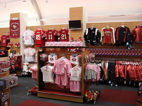 49ers Team Store by TRIO Display - Retail Design.
