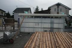フェンスの材に塗装