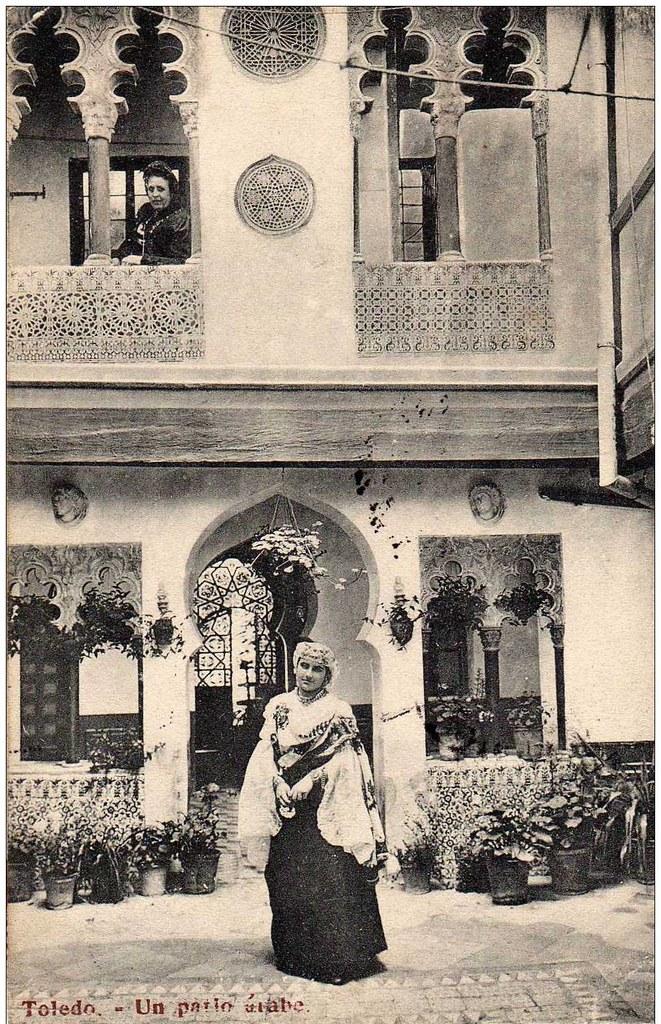 Patio Toledano en Santa Úrsula a inicios del siglo XX