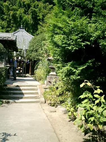 02)鎌倉市山ノ内「円応寺」境内から本堂を見る。