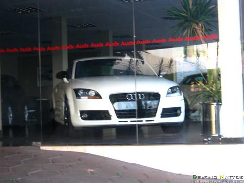 Audi Tt White. Shelby Cobra (réplica) middot; Audi