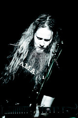 Pronssinen Pokaali (Jari Kaariainen) Tags: music rock metal canon concert industrial indie 5d alternative mokoma kotiteollisuus livepics virginoil hynynen jarikaariainen pronssinenpokaali