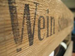 Wein (Felix_KL) Tags: wood germany geotagged deutschland wine box rhine holz rhein hang offers pleasure 2007 weinprobe wein freude roter kiste nierstein schenkt june2007 felixhaller funnyfelix juni2007 geo:lat=4988147364971388 geo:lon=8333005403077889