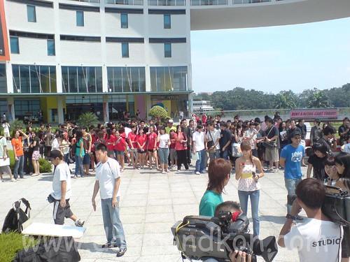 tp crowd1