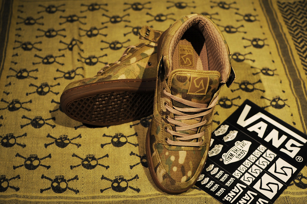 VANS SYNDICATE TNT II MID CUP × CRYE MULTICUM 03