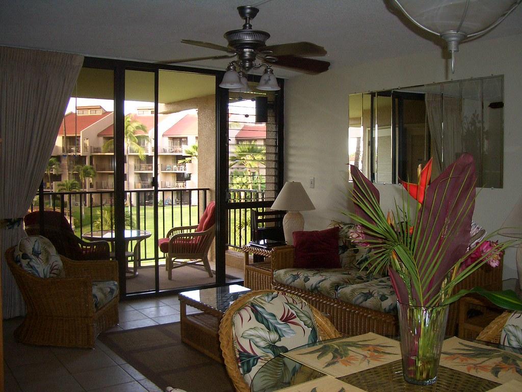 Kamaole Sands 7-306 Living Area