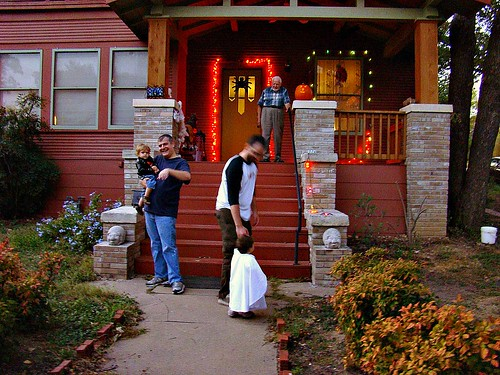 Halloween in Clarksville (by: Emmanuelle Bourgue, creative commons license)
