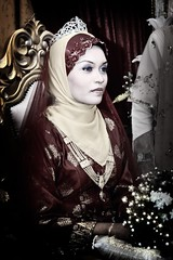 In The Spotlight... (wazari) Tags: wedding classic hijab culture malaysia modesty nostalgic tradition malay johor muar perkahwinan malaywedding muslimculture weddingtraditional islamicculture muslimwedding perkahwinanmelayu diamondclassphotographer flickrdiamond faizalandaisyah imageofasia traditionalmalaydress weddingmuslim dressmuslim cultureislamic
