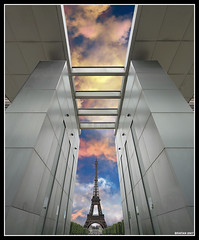 the eiffel tower through the wall of peace (*bratan*) Tags: paris france architecture bravo eiffeltower helluva blueribbonwinner magicdonkey flickrsbest abigfave wallofpeace iamimpressed flickrplatinium holidaysvacanzeurlaub diamondclassphotographer flickrdiamond bratanesque