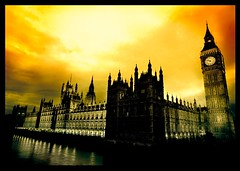 Houses of Parliament (Lizinha) Tags: lighting postprocessed building london thames architecture night mood spires housesofparliament bigben wideangle series neogothic commission houseoflords houseofcommons gotica utatafeature nauticaltwilight 1022usmefs