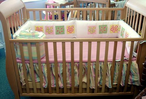 Pali Crib with Drawer