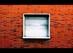 Closed for holidays (JFabra) Tags: madrid windows building canon lafotodelasemana ventana spain bricks sanbernardo eos400d canoneos400d españa aplusphoto jfabra lfs012008 malasaña