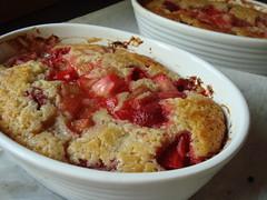CSA Summer 3: Rhubarb Strawberries Pudding Cake