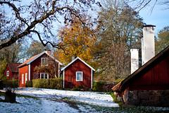 Wira Bruk (Hkan Dahlstrm) Tags: houses red chimney snow rot rouge rojo sweden stockholm sverige rood rosso 2010 f40 rd wira vira bruk ef85mmf18usm canoneos5dmarkii sek stockholmslan