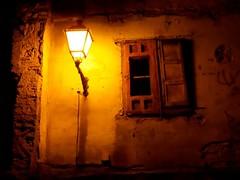 In or out (Carlos Miranda (Carmir)) Tags: rincones nocturna urbana tudela