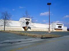 Montgomery Ward, Carolina Circle Mall (Joe Architect) Tags: carolinacirclemall retail deadmalls greensboro mall wards montgomeryward departmentstore deadstores favorites yourfavorites modernist triad joesgreatesthits myfavorites deadmall