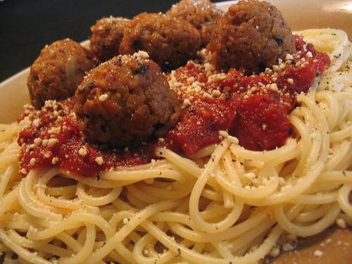 Spaghetti & Meetballs in Chunky Marinara