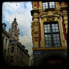 Old windows of Lille (Kat...) Tags: window grandplace belfry lille fentre 3w beffroi vieillebourse mywinners defidefiouiner diamondclassphotographer