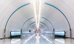 Narita (Penelope's Loom) Tags: travel japan tokyo flying vanishingpoint airport nikon airplanes tunnel symmetry transportation transit airports tunnels narita interestingness9 movingwalkway p5000 explored i500 movingwalkways flickrdiamond explore26aug07