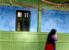 Kísértet (jenes.gyozo) Tags: erdély zöld kék asszony parasztház szék öreg kísértet