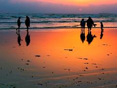 Sun Goes Down (Sayem Ghayur and Apostrophe' Architecture Studio) Tags: pakistan sunset karachi seaview cliftonbeach