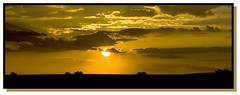 Puesta de Sol. (guidacla) Tags: sunset canon eos photo spain bravo flickr vida mirada imagen especial 30d calidad fotografa aficionado blueribbonwinner supershot canoneos30d entusiasta wowiekazowie diamondclassphotographer guidacla