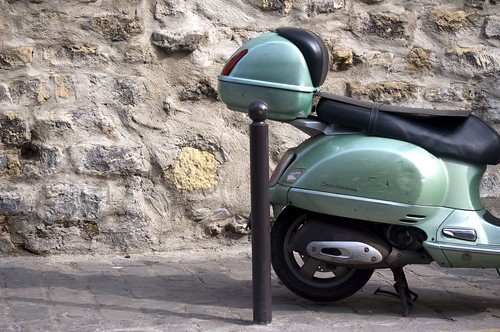 Sage Green, Paris