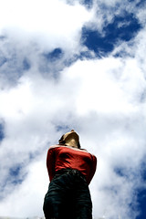 Look to the sky (endraum) Tags: sky nature look statue clouds canon germany deutschland eos dsseldorf duesseldorf jesters euope bronzemedal 400d abigfave endraum anawesomeshot impressedbeauty