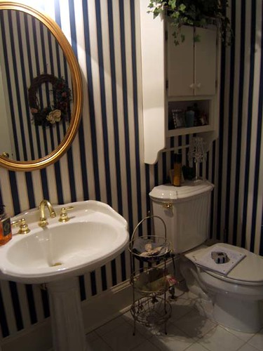 Modern Powder Room Pictures - Powder Room After Photos - Zimbio