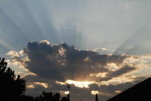 Sky Rays/ Rayos de cielo -- sky spain europe cielo solana jesus madrid pozuelo jesussolana rays rayos