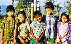Children of Burma (Bn) Tags: portrait topf25 smile kids children freedom burma birma soe blueribbonwinner 25faves firsttheearth wowiekazowie burmafree kidsofburma