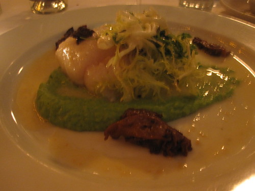 Cod with pea purée and morrels