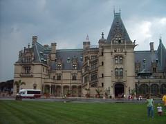 Biltmore Estate (Little Spooks) Tags: railroad house home big asheville northcarolina trains vanderbilt huge mansion biltmoreestate georgevanderbilt