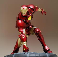 Iron Man Comiquette (PowerPee) Tags: toys philippines statues ironman marvel sideshowcollectibles powerpee