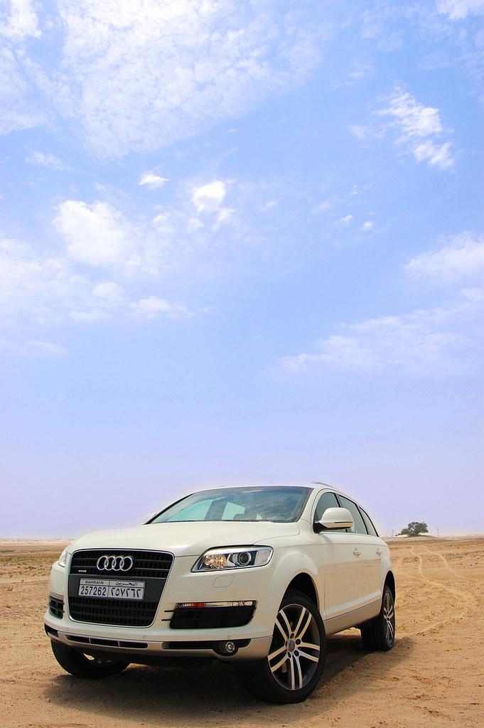Breathtaking blue sky - Audi Q7 Quattro