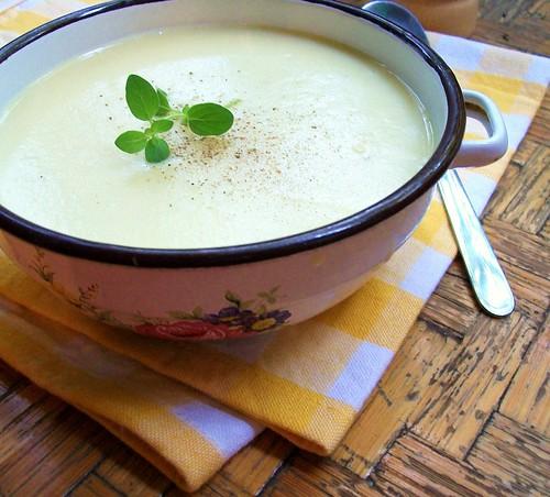 Kreminė porų ir bulvių sriuba
