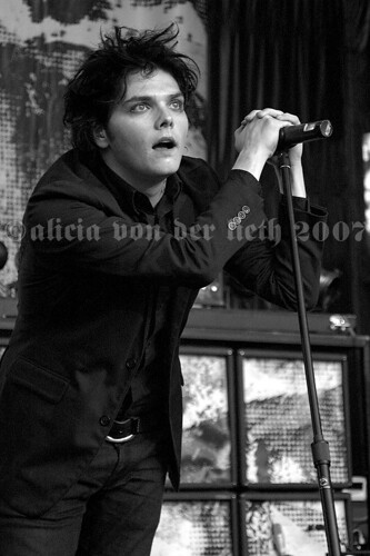 gerard way 05 by aliciavonderlieth.