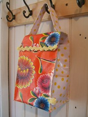 Blooms and Dots Lunch Bag 001